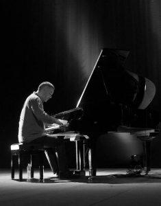 Victor Zamora Trio + Jam Session na Fábrica Braço de Prata @ Fábrica Braço de Prata   Lisboa   Lisboa   Portugal